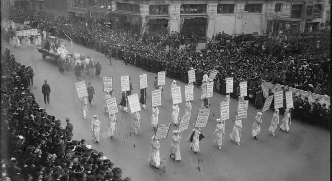 voto alle donne negli USA , suffragettes on 5th avenue