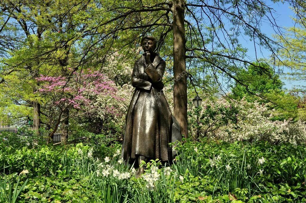 monumenti a New York Eleanor Roosevelt Memorial.jpg